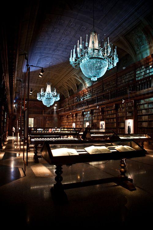 Biblioteca Braidense, Accademia di Belle Arti di Brera, Milan, Italy (via Por Homme)