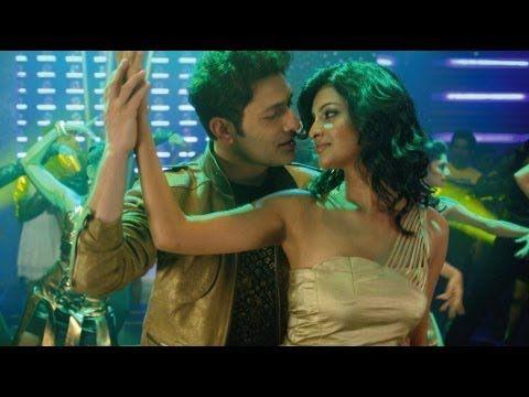 "Salame Salame Full Song Ghost"" | Shiney Ahuja | Sayali Bhagat Song: Salame Salame Starcast: Shiney Ahuja, Sayali Bhagat Movie: Ghost Singer: Shaan Music on: T-Series ..  http://bollywoodhd.raag.fm/2013/03/salame-salame-full-song-ghost-shiney.html"