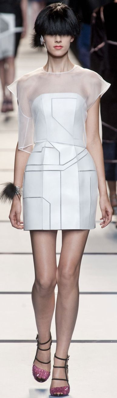 Fendi at MFW Spring 2014 | The House of Beccaria