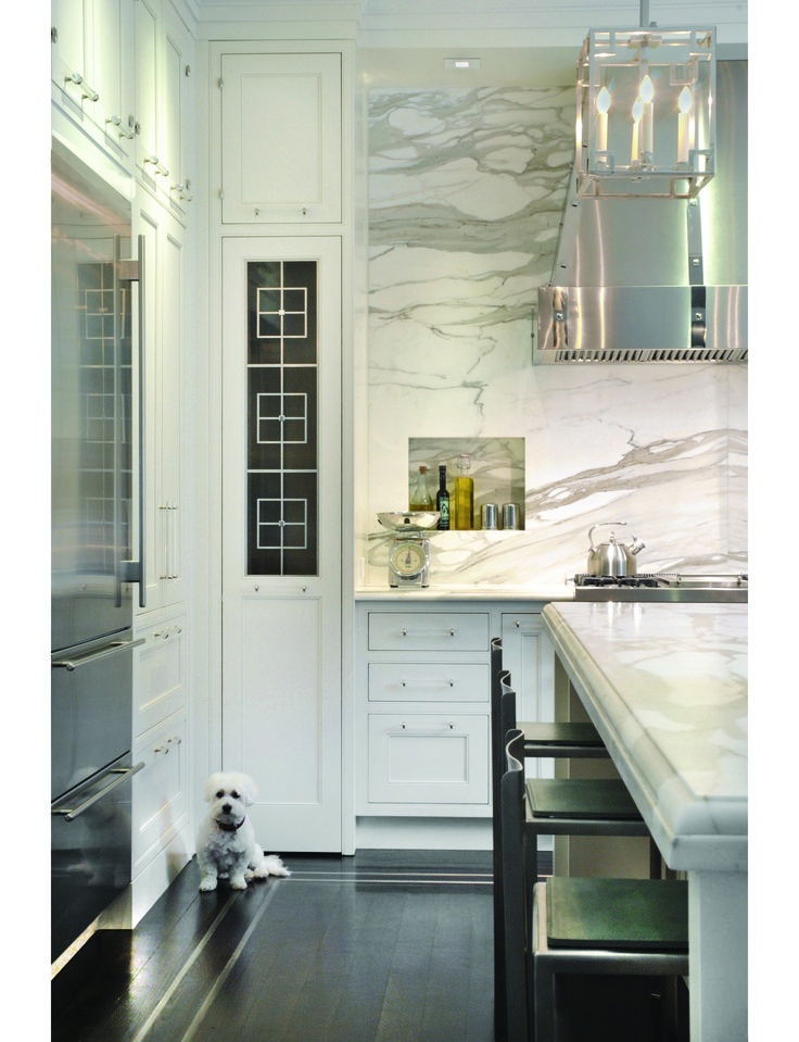 marble up to the ceiling #kitchen