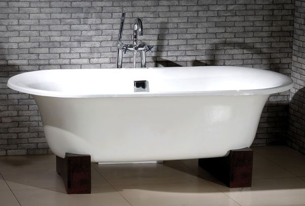 antique cast iron white porcelain enamel clawfoot bathtub ...