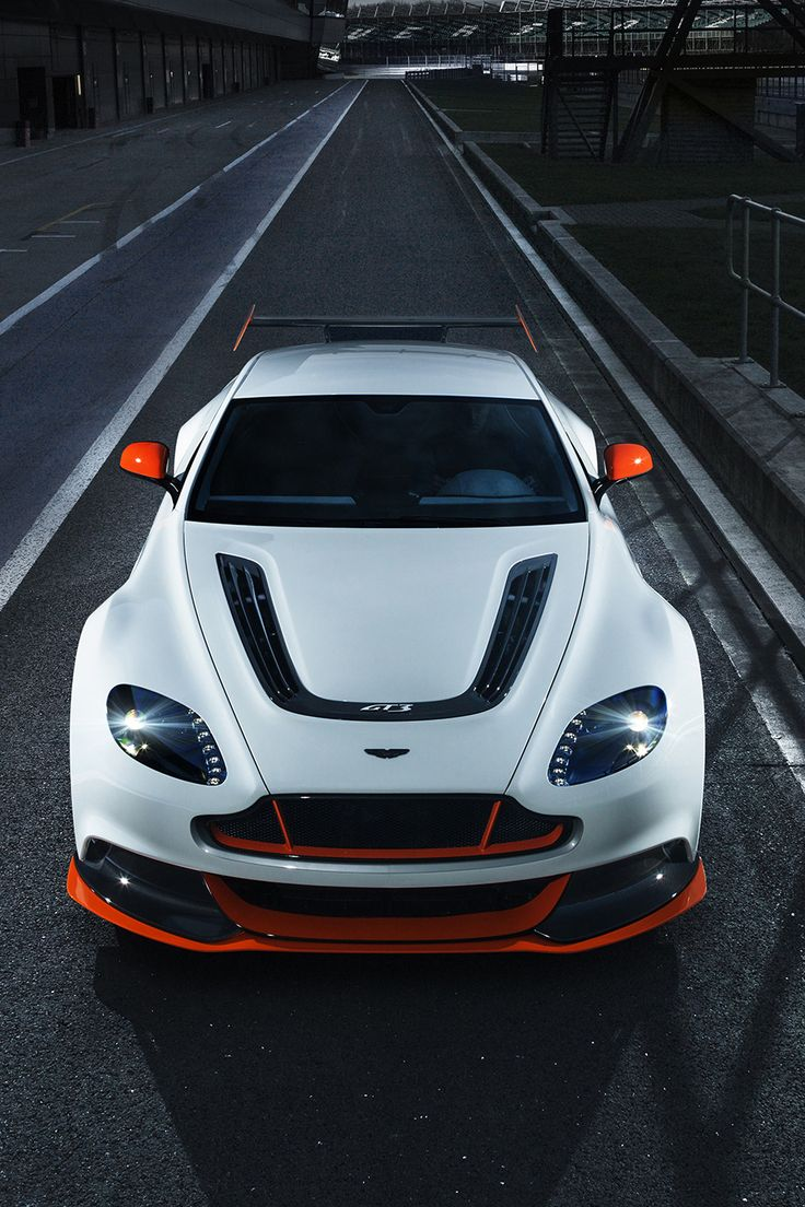 Aston martin s vantage gt3 special edition goes hardcore with lightened bodywork and 592 hp