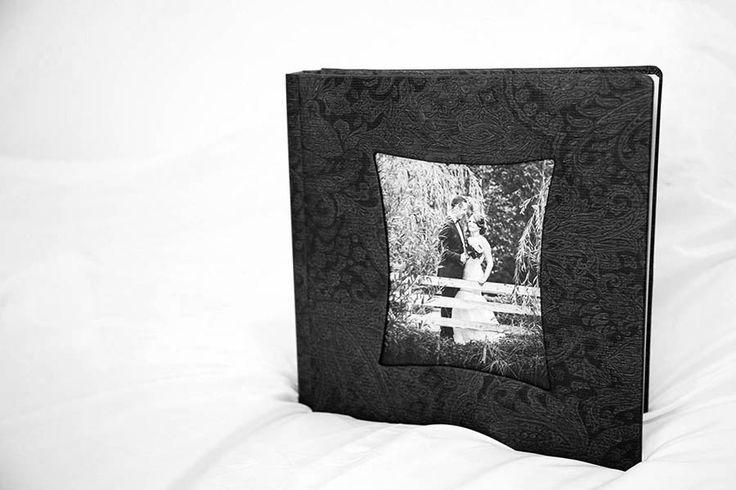 Album de nunta cu povești isi asteapta mirele si mireasa ...Fotografie Nunta Suceava – Nicolae Cătălin Cîmpan