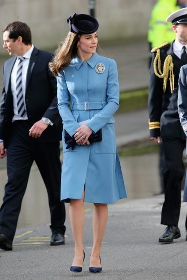 Kate Middleton conta que príncipe George quer ser da força aérea, como o pai