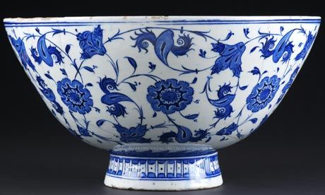 Blue and white bowl, Iznik. Ceramics galleries at the V, c 1530