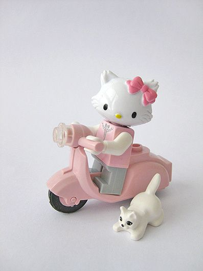 17 best images about lego craze on pinterest sculpture - Lego hello kitty maison ...