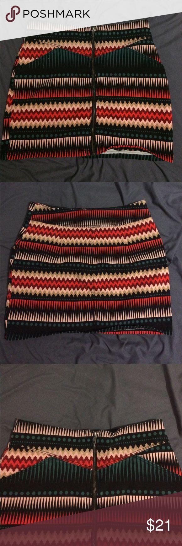 H&M Divided skirt! H&M Divided mini skirt. Size 10. Divided Skirts Mini
