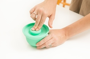 Ideal for baby food and toddler snacks.    Press to close suction lid.  You will love using these AdoraBOWLS in all stages of your baby's meal preparation.  Safe in the: fridge/freezer, microwave/oven (up to 240C), dishwasher. www.weanmeister.com.au
