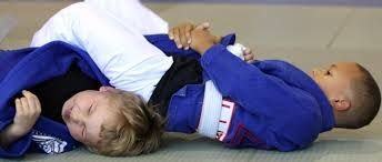 Women can learn different Brazilian Jiu Jitsu techniques that will help in dominating over the opponent and thus, win over while even if she is fighting on the ground.Fore more http://www.primebjj.com/