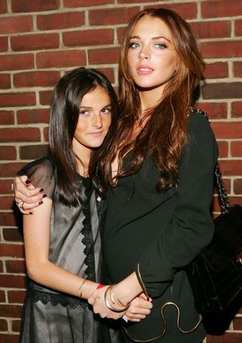 Lindsay and Ali Lohan - sisters Photo