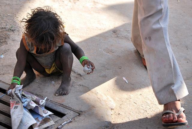 Misery.... Pushkar, India. http://blog.100days.it/fiera-del-bestiame-a-pushkar/