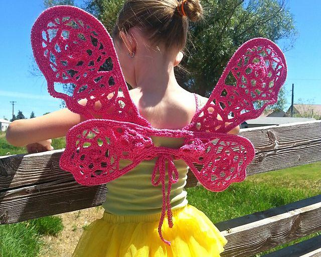 #Crochet fairy wings #FREE pattern by #KaleidoscopeArtnGifts http://bit.ly/1PSjG04 #dressup