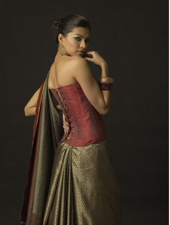 Corset saree blouse. Very royal.