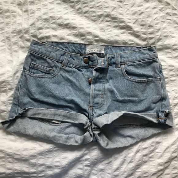 Shop Women's American Apparel Blue size 24 Jean Shorts at a discounted price at Poshmark. Description: Reason: Doesn't fit me well anymore - Excellent condition - Light wash - Folded at the bottom - Not too cheeky when you wear it - Low rise - No zipper, but instead has buttons. Sold by kaori_ct. Fast delivery, full service customer support.
