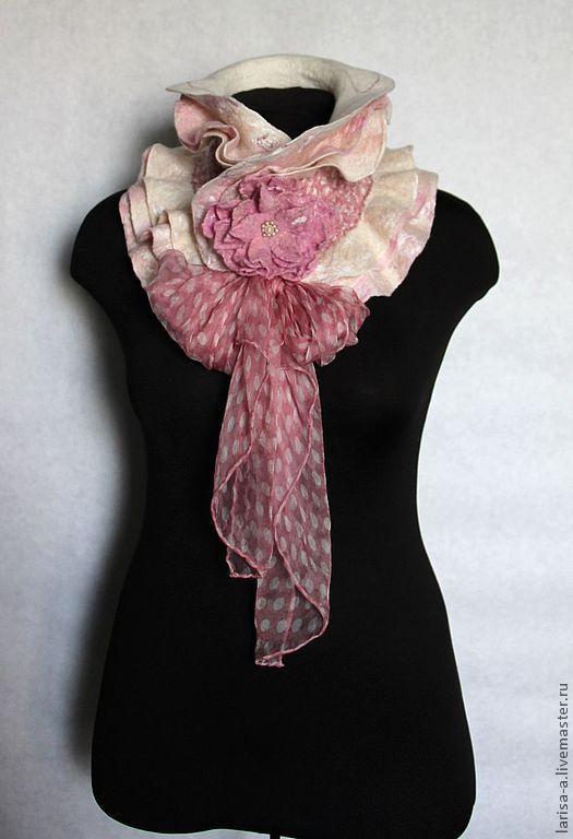 """Купить Валяный шарф """" Элегантный горошек"""". - бледно-розовый, в горошек, шарф, валяный шарф"""