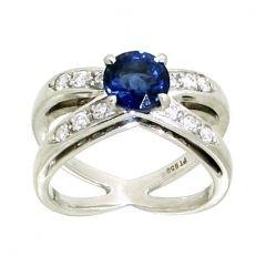 Nieuw bij Spiegelgracht Juweliers: Tiffany & Co. platina ring met diamant en saffier http://www.spiegelgrachtjuweliers.nl/product/ringen/tiffany-en-co--witgouden-ring-met-diamant-en-saffier