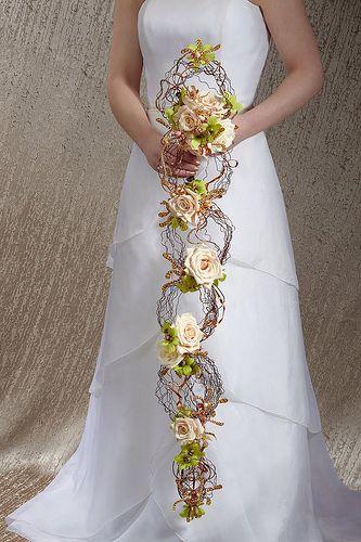Creative Cascading Bouquet!