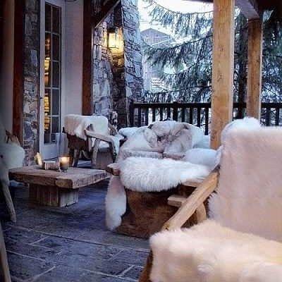 Wczoraj ogród zimowy dziś weranda... Czy wy również szykujecie się na góralskiego Sylwestra?  #verandah #porch #winter #garden #mountains #freetime #snow #hygge #weranda #sylwester #zimawogrodzie #wogrodzienajlepiej #wogrodzienajlepiejpl