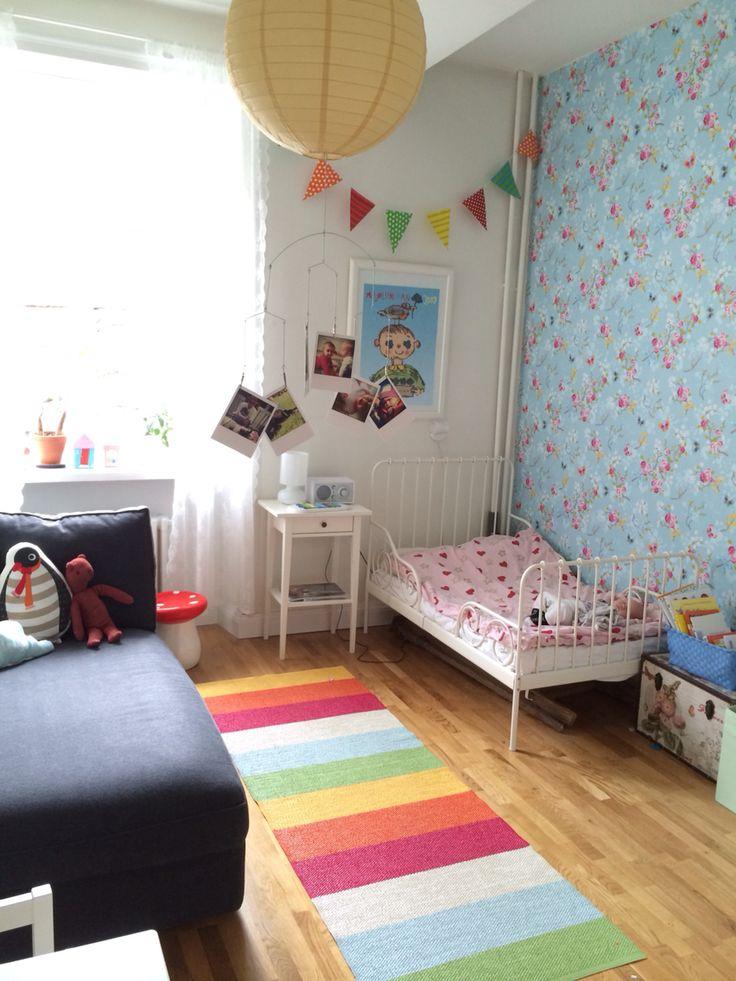 Ellies första rum! #pipstudio #pappelina #åhléns #ikea #chinese #rose #blue #blått #ljusblå #färgglatt #barnrum #kidsroom #swedish