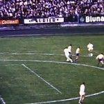 VIDEO – Un altfel de handbal. Sportul cu mingea mica jucat pe stadion. Romania campioana mondiala si astazi la handbal in 11