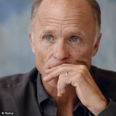Ed Harris, Beautiful Eyes!...There's something very sexy about this man.