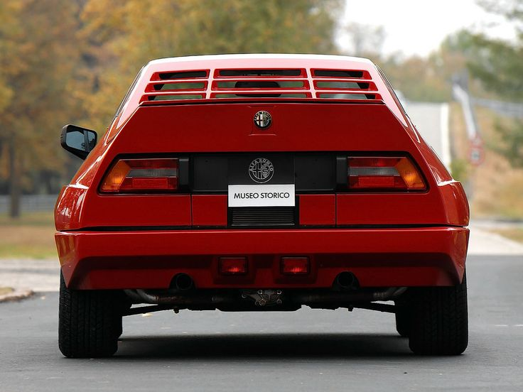 Alfa Romeo Alfasud Sprint 6C / Built by Alfa Romeo's Autodelta Sport Division and equipped with a rear-mounted 2.5-litre V6 engine.