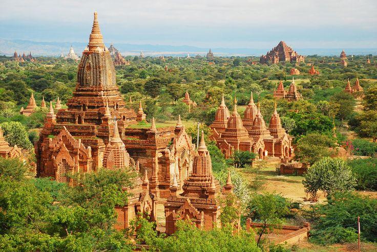Myanmar vagy régi nevén Burma középső területén található Bagan (vagy korábban Pagan) az Irrawaddy folyó keleti partján, Mandalay városától mintegy 180 km-re DNy-ra. Egyes iratok alapján a II. században alapították, de jelentősége a IX-XIII.   #Bagan #buddhizmus #Burma #Myanmar #pagoda #templom