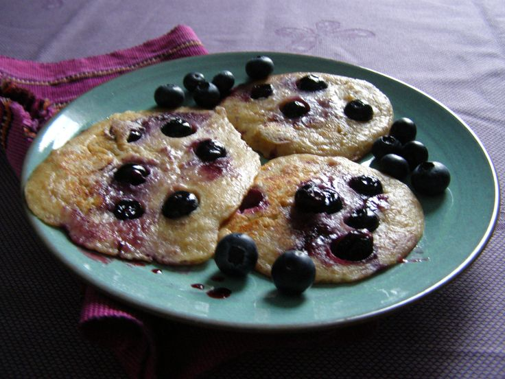 yummy blueberry pancakes for breakfast or brunch - recipe for this and other treates over on the blog: https://wp.me/p90hGP-3l