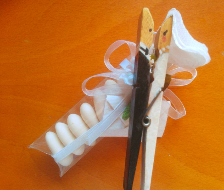Creative gift for your #wedding #sugared almond Buy here  http://www.blomming.com/mm/visitbari/items/459119