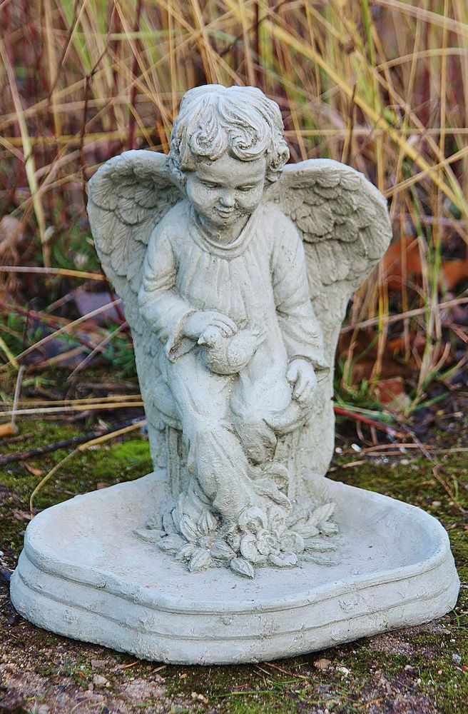 Bain d oiseaux ange pierre fonte abreuvoir fontaine for Statue de jardin belgique