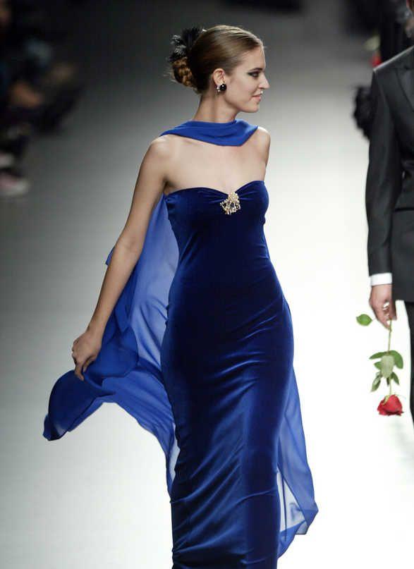 Blue velvet and chiffon: Evening Dresses, Blue Velvet Dresses, Favourit Colors, Sapphire Blue, Blue Dresses, Bridesmaid Dresses, Cobalt Blue, Blue Gowns, Colors Blue