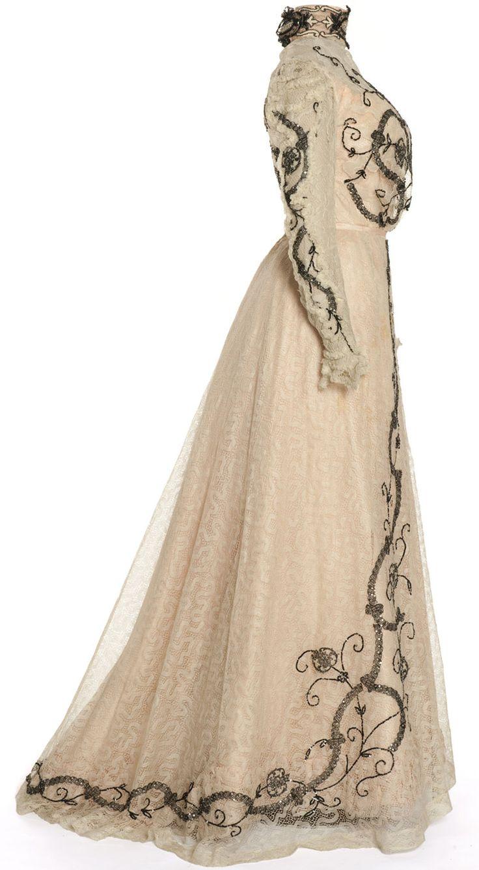 Robe en deux parties portée par Cléo de Mérode, Gravelle, Paris, 1900-1902  Taffetas, mousseline, dentelle mécanique, broderie de paillettes