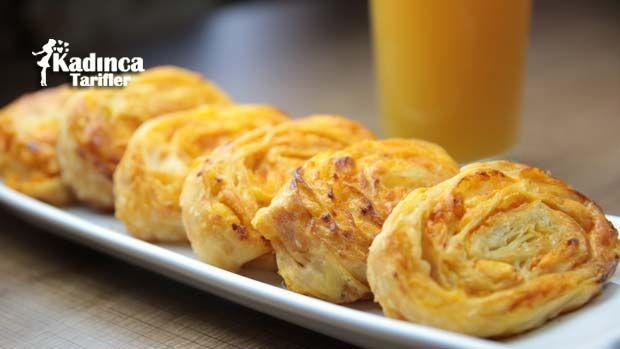 Patatesli Rulo Börek nasıl yapılır? Patatesli Rulo Börek'nin malzemeleri, resimli anlatımı ve yapılışı için tıklayın. Yazar: Sümeyra Temel