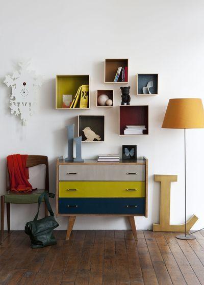 Commode pour entrée et jouer sur les couleurs des tiroirs et rappel au niveau des blocs étagères!