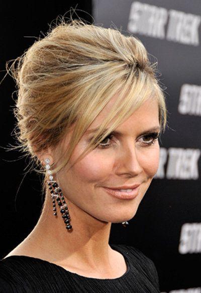 Heidi Klum trägt eine antoupierte Hochsteckfrisur - Der große Frisuren Finder!