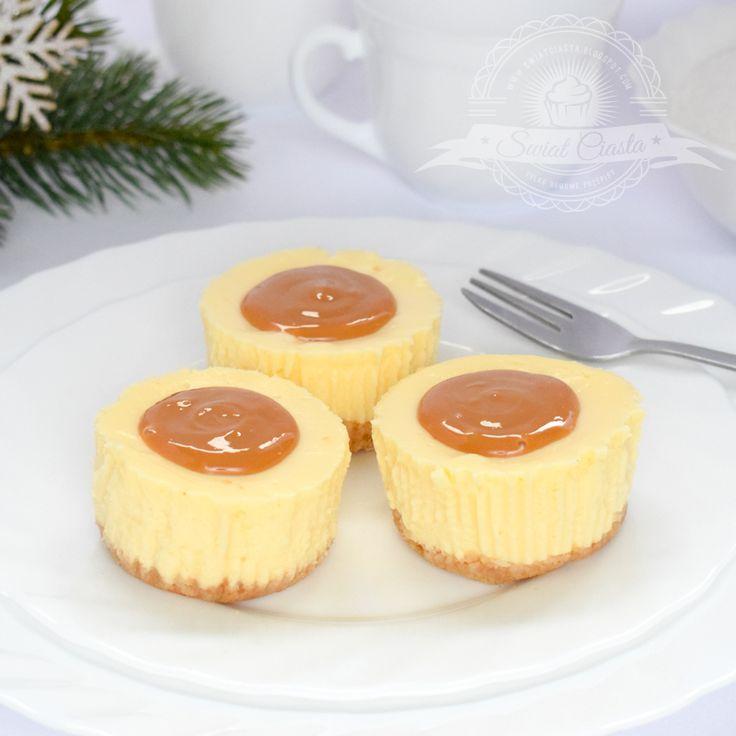 Mini-serniczki z masą kajmakową   Świat Ciasta