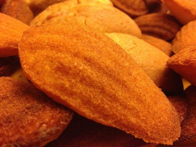 Buon giorno, buon venerdì Bimbyni e Bimbyne!!! :D                           Dolci per noi!!! :D    Provate questa ricetta e ditemi se vi piace!!! :D   http://www.bimby-ricette.it/2015/11/con-e-senza-bimby-madeleine.html