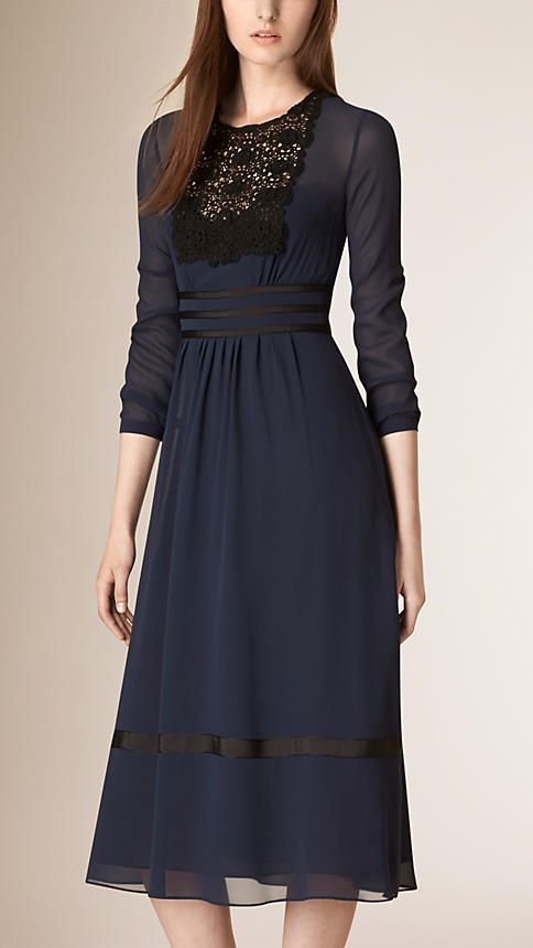 Azul-marinho Vestido de seda com cintura império e acabamento em renda - Imagem 1
