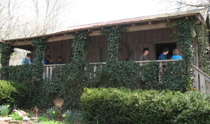 Dolly Parton's Childhood Home in Tennessee