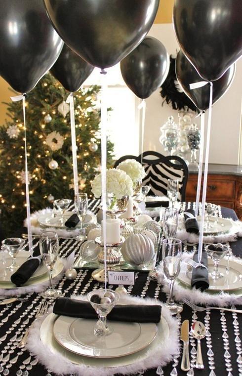 Idées de décoration de table du jour de l'An noir et blanc