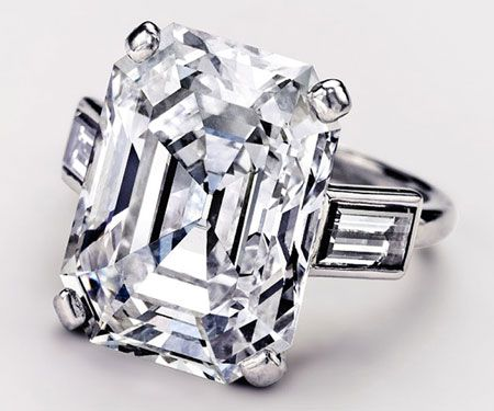 Grace Kelly's engagement ring. 10.47 carat emerald cut diamond with two baguette diamonds in platinum.