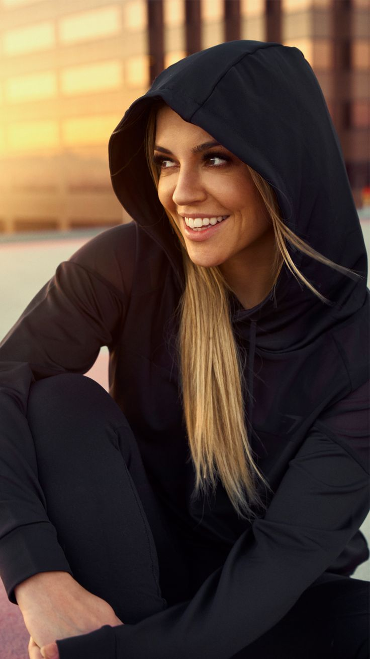 Nikki Blackketter Styling The Surface Hoodie In Nude From -6697