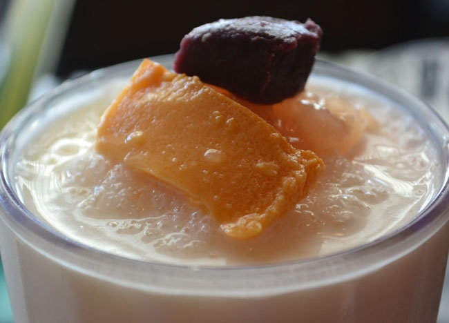 Halo Halo with Leche Flan - Top 10 Filipino Food - or our full top 10 Filipino food check here: http://live-less-ordinary.com/eating-asia/top-10-filipino-food-pinoy-food