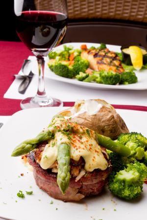Crab Oscar Steak Topper - Robert Ingelhart/Getty Images