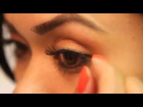 DUO Eyelash Glue for False Lashes - How to apply false lashes - video tutorial