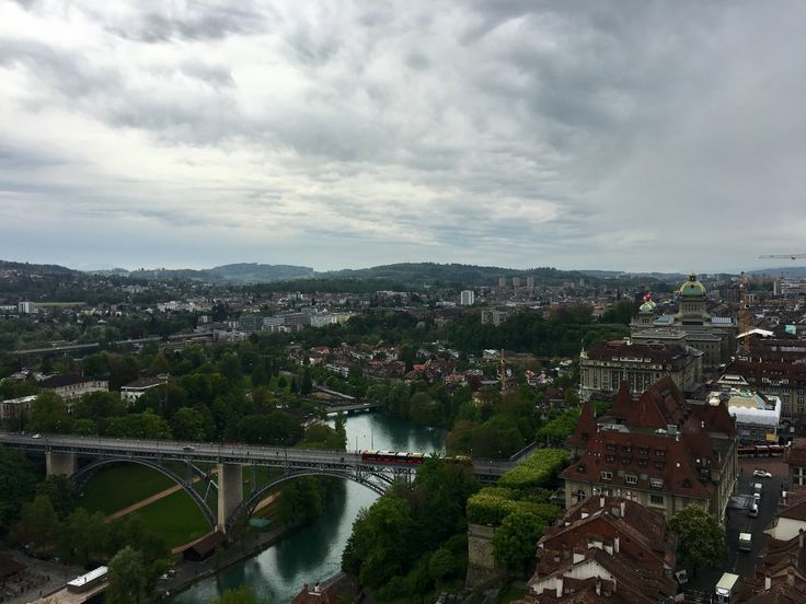 enjoying nice views during our daytrip to the swiss capital Bern #daytrip #sightseeing #seitzerland #activitybean #tagesausflug #schweiz