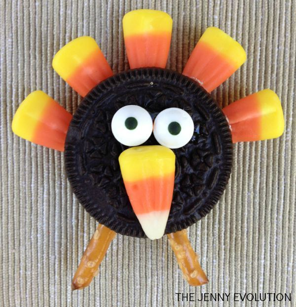Kids love to feel like they're cooking in the kitchen. So bring them in on the fun with some these easy Candy Corn Turkey Cookies. Tutorial on The Jenny Evolution