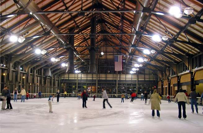 15 Best Ice Skating Rinks in the U.S.