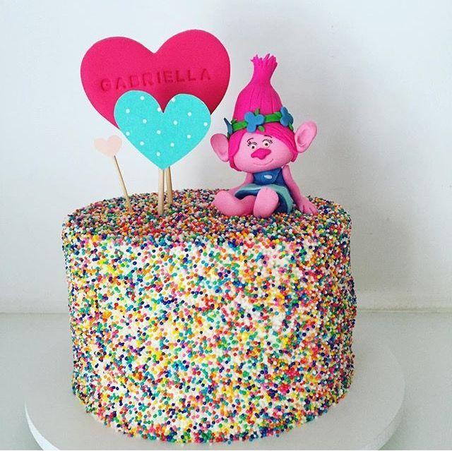 Best 25 Poppy cake ideas on Pinterest Birthday cakes girls kids
