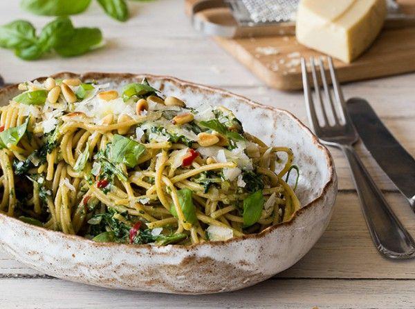 Vollkorn-Spaghetti mit Spinat-Pesto